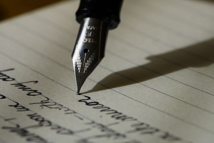 Which Tense to Use in IELTS Writing Task 2