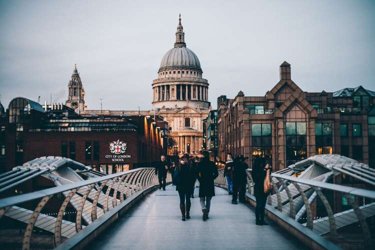How to Apply for PR in the UK