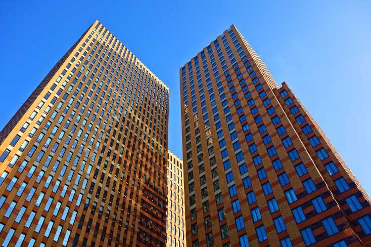 Describe a Tall Building in Your City You Like or Dislike