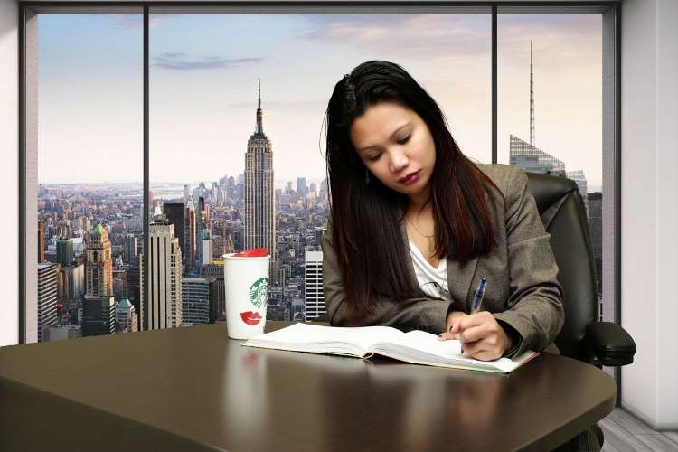 What are the Advantages and Disadvantages of Studying Abroad